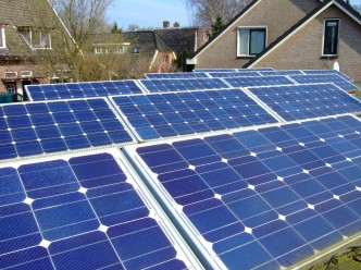 zonnepanelen op plat dak in nederland